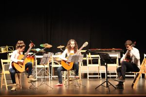 Trio de tercer ciclo de guitarras
